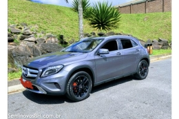 Mercedes Benz GLA 200