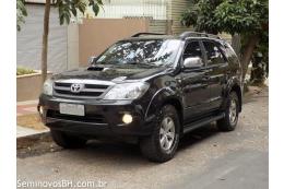 Toyota Hilux SW4 3.0 16V SRV Automático 4x4